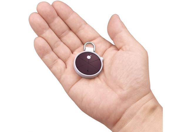 セイコーインスツル、世界最小サイズの携帯用ソーラーパワー型ビーコンを提供開始